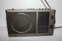 GRUNDIG CONCERT BOY 220 radio
