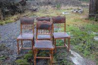 Gamla stolar i helek